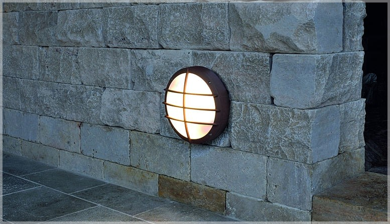 Robust Outdoor Wall Light